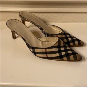Burberry mules 😊